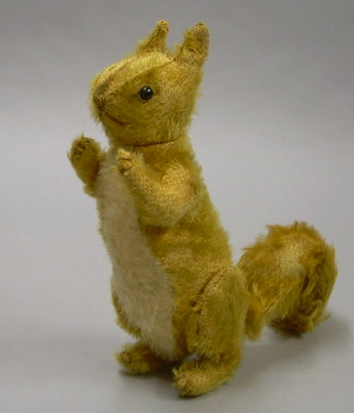 Steiff 1913 Ginger Squirrel Blk shoe button eyes jointed
