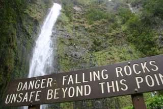 Falling_rocks_1